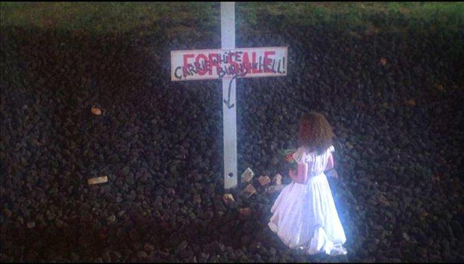 carrie, 1976, shock ending, sue snell, sissy spacek, stephen king, brian de palma, teen horror
